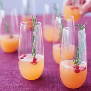 sparkling-pear-cranberry-cocktail-recipe-mslo-mdn