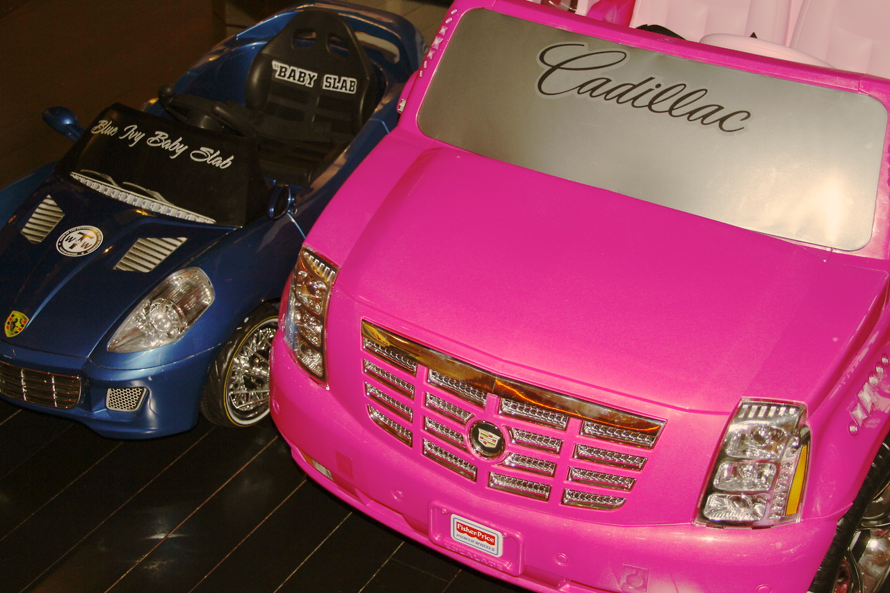 Blue Ivy Carter Drives Her Own Pink Cadillac and Blue Lamborghini, Beyonce Goes On Picture-Sharing Spree!