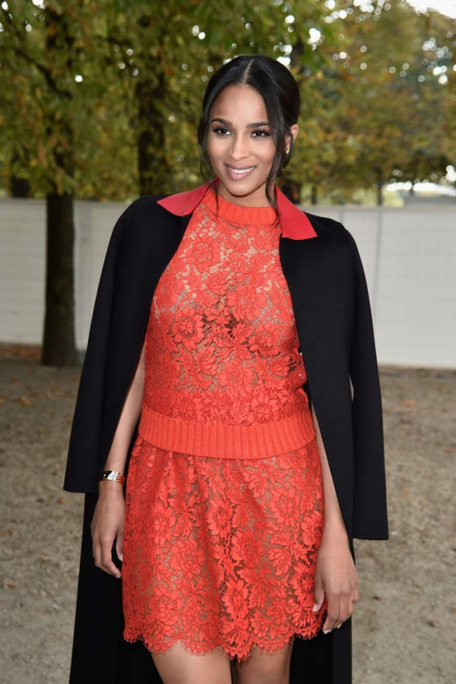 New Mommy Ciara Keeps Glamming It Out During Paris Fashion Week