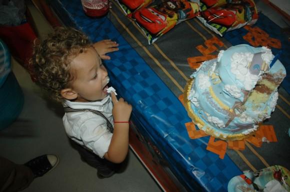 aden-birthday-cake-580x385.jpg4