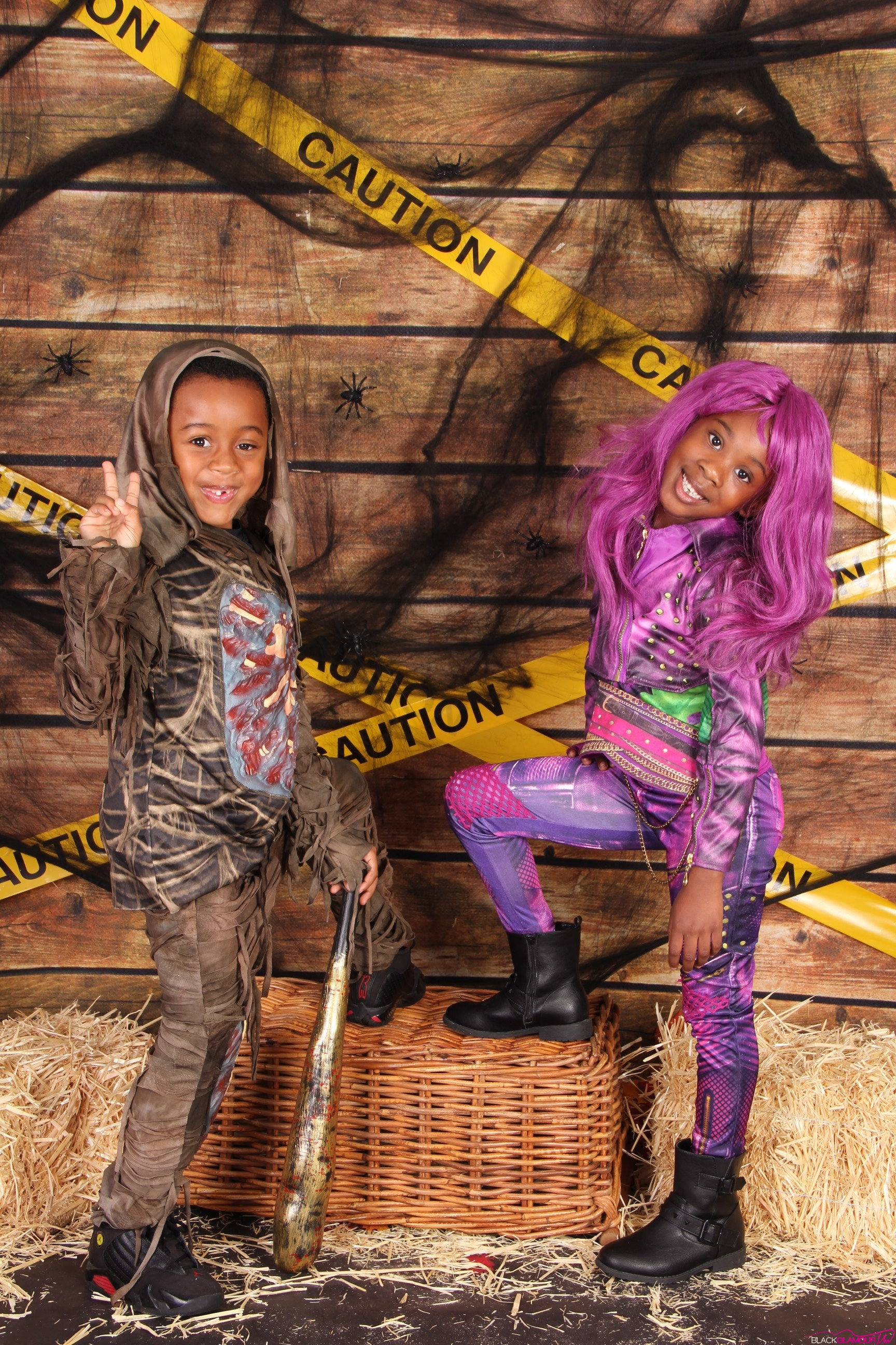 When A Zombie Met Up With A Disney Descendant For A Halloween Photo Shoot